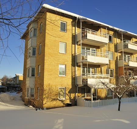 apartmentsbuildinginsnow_cut
