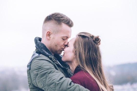 Förälskat par vill flytt aihop.